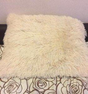 Пушистые подушки и наволочки