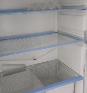 Холодильник на зап.части