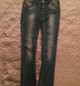 Продам двое джинс