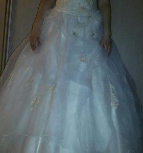 Свадебное платье р.48-50