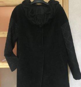 Пальто осеннее 48 размер