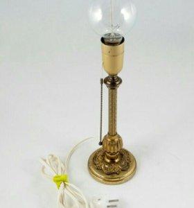 Настольная бронзовая лампа
