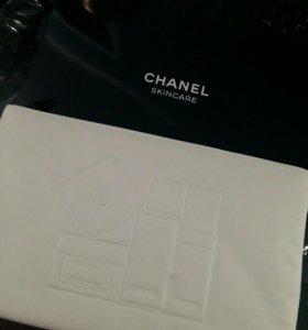 Chanel косметичка в подарочной коробке