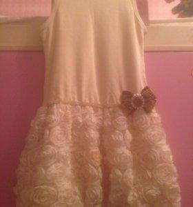 Платье с брошью 500