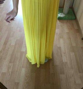 Продам платье (желтое).