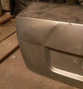 Задняя дверь (крышка багажника) на Шкоду Октавия