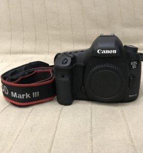 Canon 5 D Mark III
