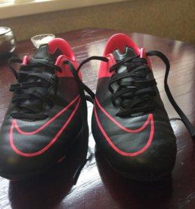 Бутсы Nike фирменные