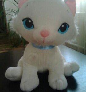 Плюшевая кошка