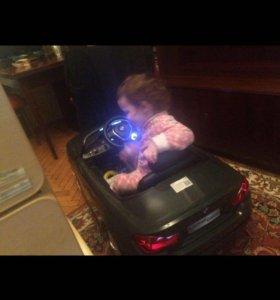 Электромобиль с пультом.