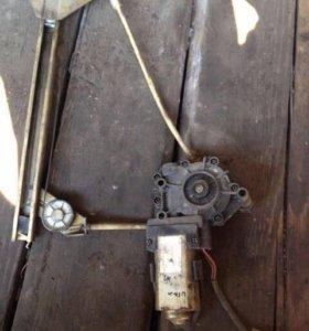 Стеклоподъемник электрический