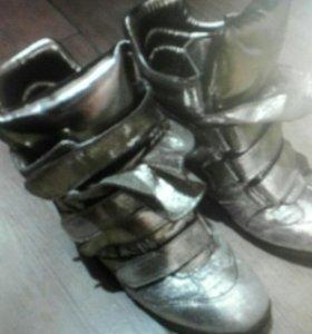 Сникерсы+много хорошей обуви