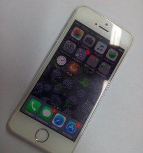 Айфон 5s на 16 Гб.