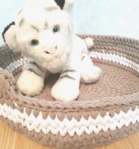 лежанка для кошки или маленькой собаки