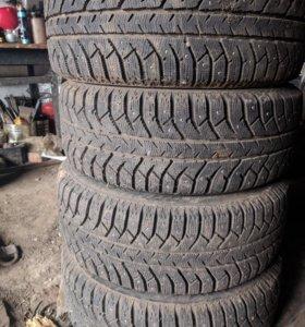 Bridgestone r16 215*55, ET50 (ford)