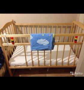 Кроватка, матрац, наматрасник, комплектпостельного