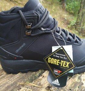 Зимние кроссовки Адидас  Gore-tex(40-41р)высокие.