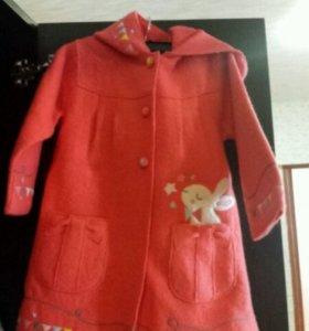 Пальто детское новое 92-98см