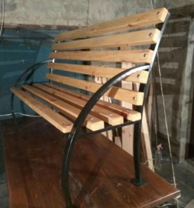 Скамейка металлическая из профиля длиной 160см