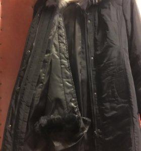 Пальто осенне-зимнеее, с кроликовой подстежкой.