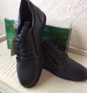 Ботинки мужские, новые 40 р