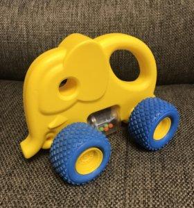 Машина слон с шариками