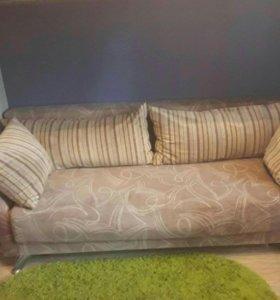 Кровать-чердак +камод цена 12 тыс.диван 8500.