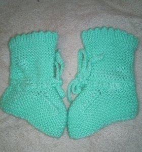 Детские вязанные носочки