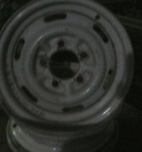 Два диска с масквича R13