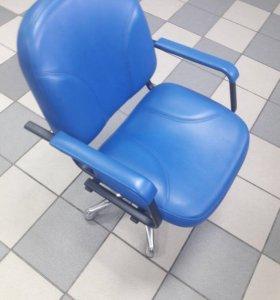 Кресло парикмахера, пневматическое.