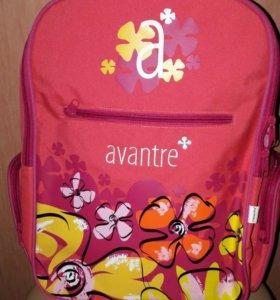 Вместительный рюкзак для девочки