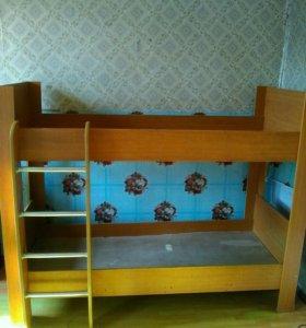 Продам 2-ух ярусную кровать.