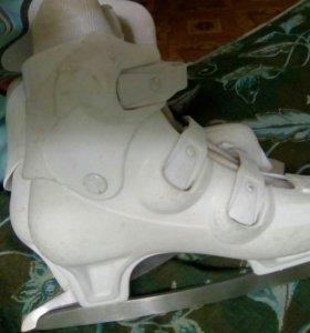 Коньки белые роликовые