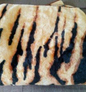 теплые плед и одеяло