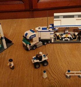 Лего полицейский грузовик 7743