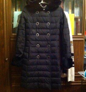 Зимнее пух.пальто, 44 раз.,165-170 см,цвет-чёрный