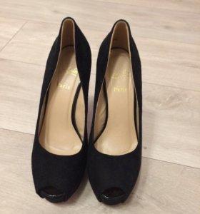 Туфли женские Louboutin, LUX качество