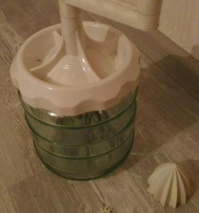 Ручной миксер , сбивалка для крема