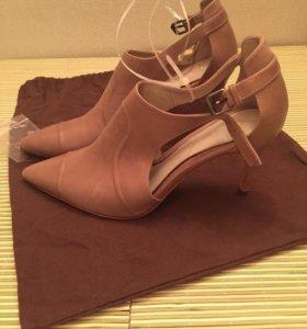 Туфли кожаные новые TAHARI