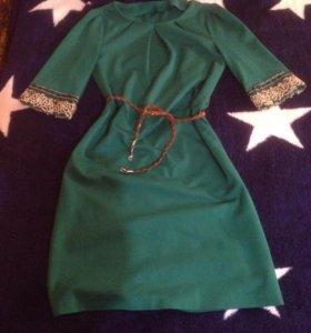 Трикотажное платье ручной работы.