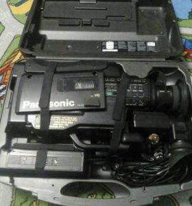 Продам видеокамеру Panasonic M3000