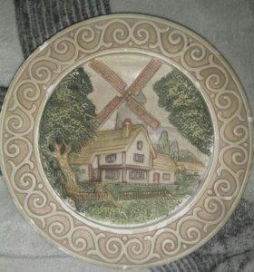 Две настенные тарелки