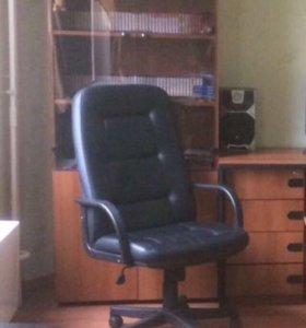 Кожаное кресло ( кресло руководителя )