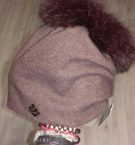 Трикотажная шапка с мехом кролика