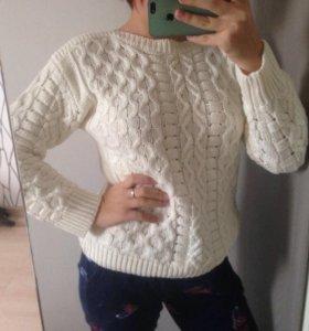 вязанный свитер