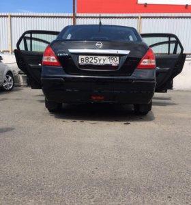 Автомобиль Ниссан Тиида 2012 г.
