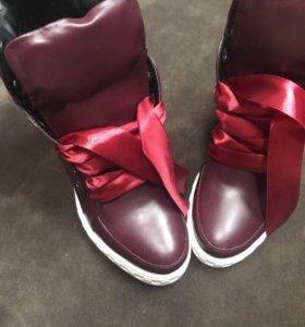 Ботинки новые. Кожа