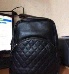 Новый кожаный рюкзачок