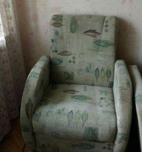Диван и кресла б/у