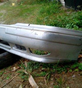 Бампер передний на Volvo 960